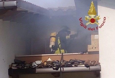 Alanno: incendio all'alba in una villetta-FOTO