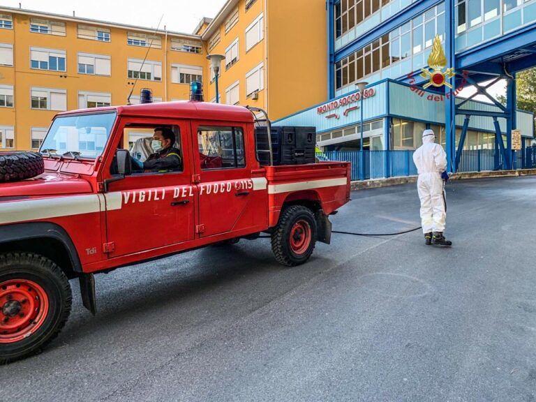 Covid, nel pescarese la sanificazione la fanno i vigili del fuoco-FOTO