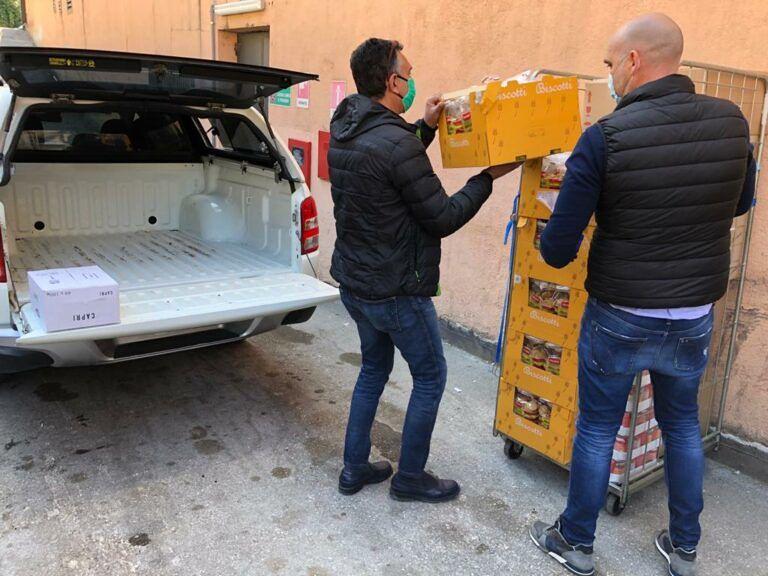 Teramo, supermercato dona beni di prima necessità alla Caritas FOTO