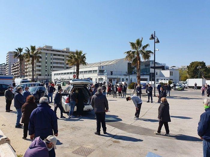 Pescara, cerimonia per l'addio a Grosso: accertamenti sull'assembramento al porto