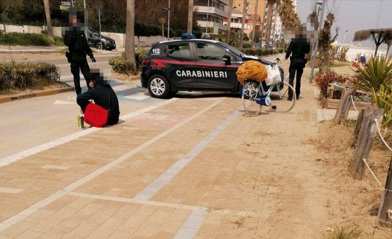 Montesilvano, occupa un gabbiotto sulla spiaggia: preso dai carabinieri