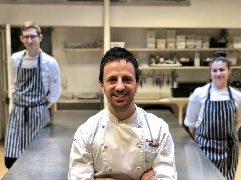 L'ambasciata italiana a Londra si trasforma in cucina per i poveri grazie allo chef di Alba Adriatica