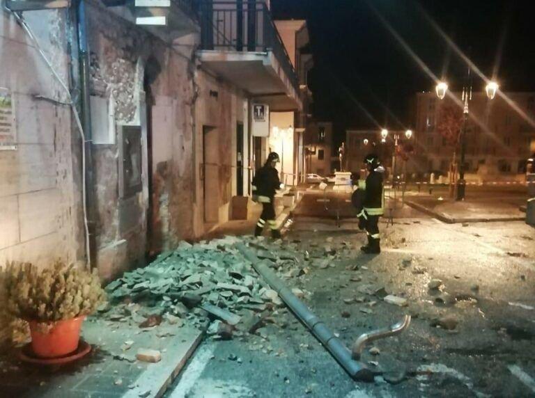 Nereto, inchiesta sul crollo del tetto in piazza Cavour