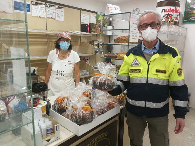 Alba Adriatica, le donazioni della Protezione Civile per le famiglie in difficoltà FOTO