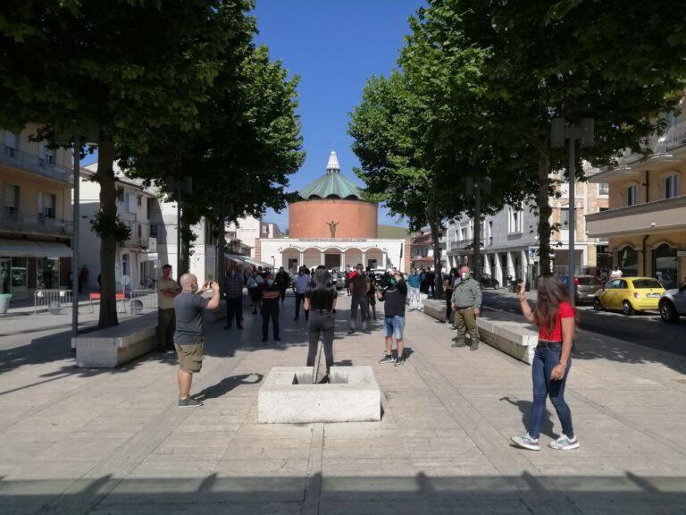 Sant'Egidio, nuovo appuntamento in piazza con le Mascherine Tricolori