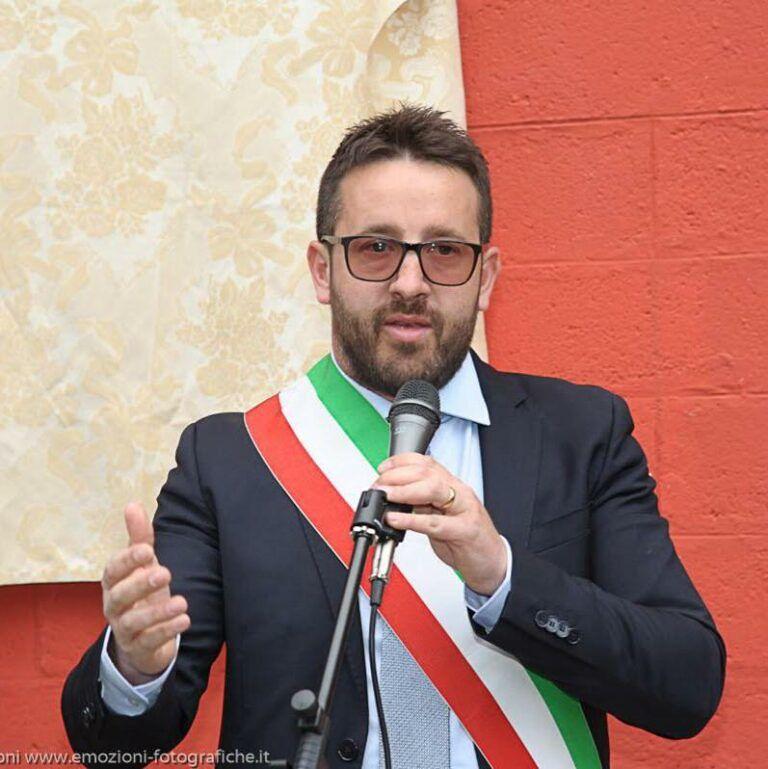 Un giorno di attesa sulla barella per un tampone: il sindaco di Aielli punge la Regione