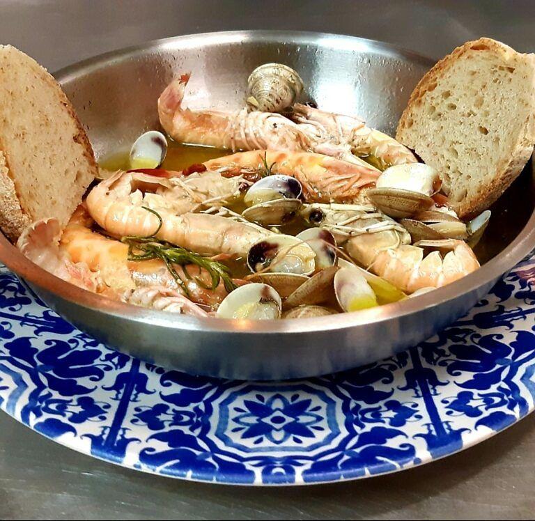 Da SI FORK fantastici menù di pesce in loco o direttamente a CASA TUA