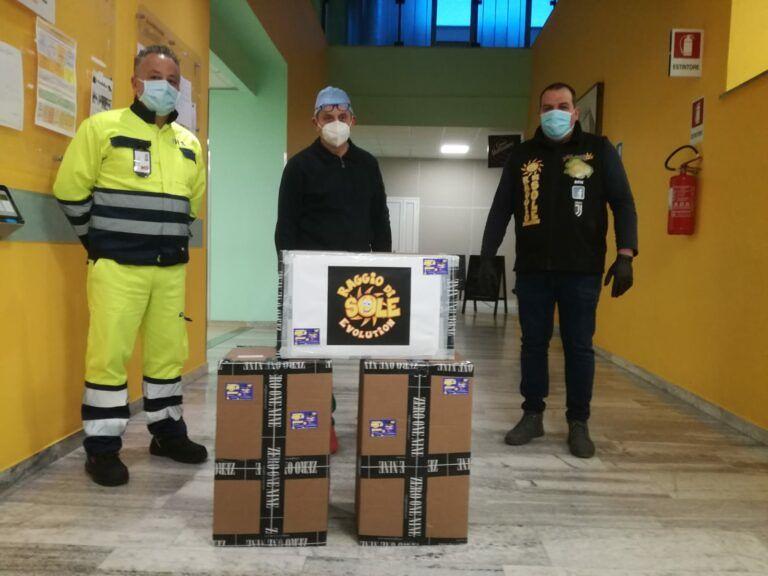 Covid19 Atri, continua la solidarietà al San Liberatore: donati calzari agli operatori sanitari