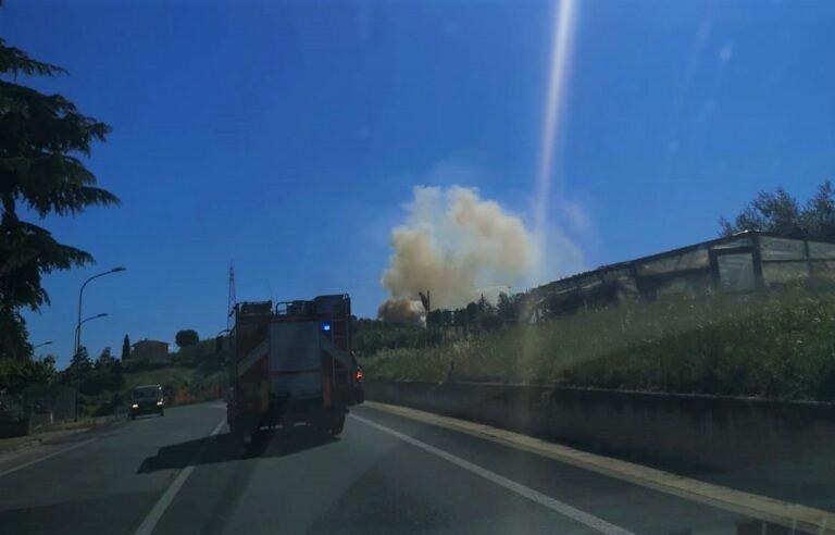 Giornata di incendi nella provincia di Pescara