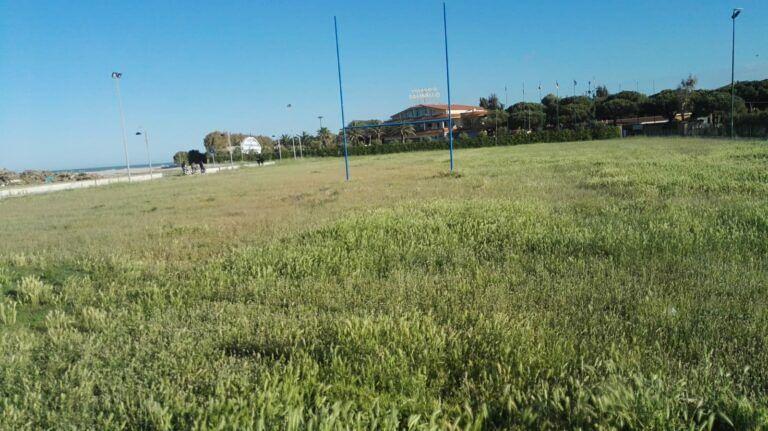 Tortoreto, sport all'aria aperta: il vecchio campo sportivo concesso alle palestre