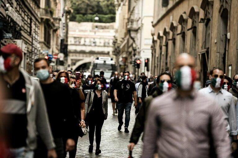 Le Mascherine Tricolori manifestano nuovamente a Sant'Egidio alla Vibrata