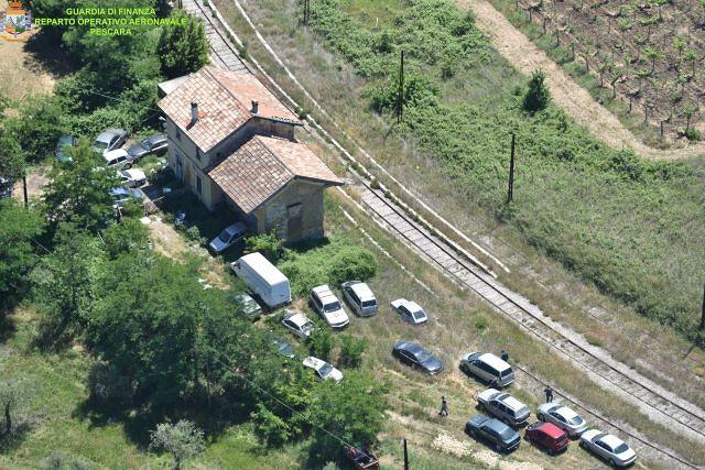 Crecchio, sequestrato un sito di circa 470 mq e 14 autoveicoli fuori uso e abbandonati VIDEO