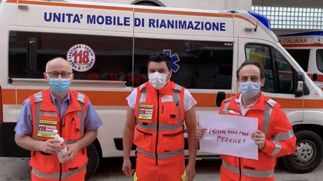 Gli operatori sanitari Asl Chieti danno consigli ai cittadini in occasione della Giornata dell'igiene delle mani
