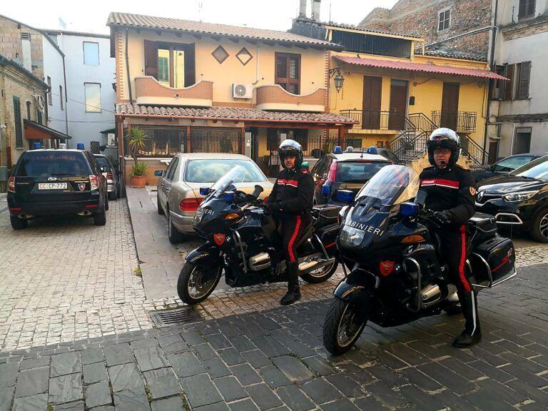 Giulianova, operazione Scacco al Torrione: tre arresti per spaccio di droga FOTO