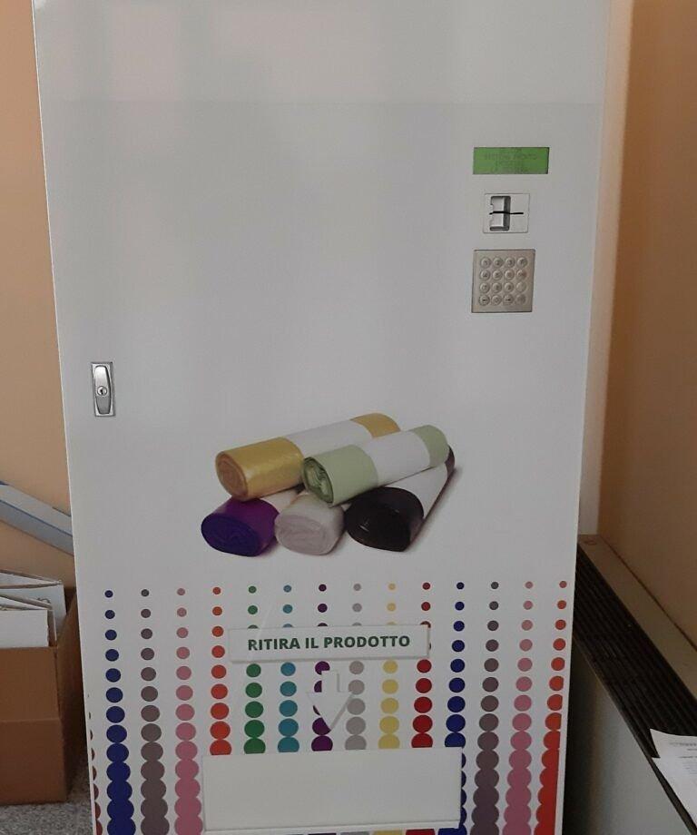 Buste della differenziata: nei comuni della Val Vibrata arrivano i distributori automatici