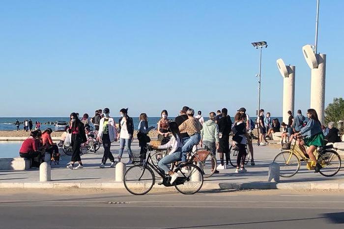 Fase 2, lungomare di Pescara come i Navigli di Milano: Masci pronto a restrizioni