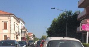 Silvi, lite in strada per un sorpasso: donna trasferita in ospedale