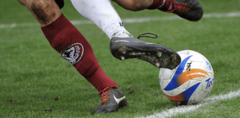 Calcio senza contrasti, basket e pallavolo con i guanti: l'ordinanza della Regione Abruzzo fa discutere