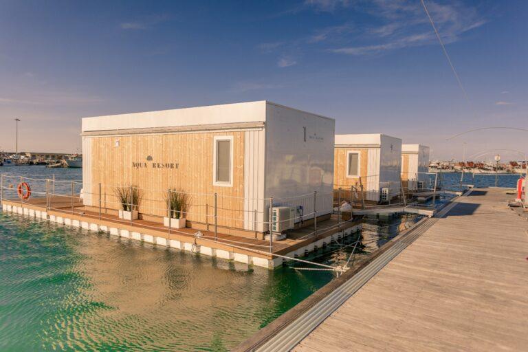 Giulianova, al via la stagione estiva delle houseboat Aqua Resort