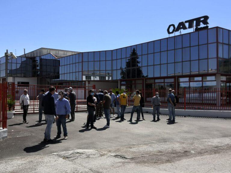 Colonnella, presidio dei lavoratori davanti all'ATR