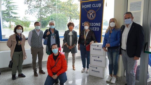 Tute protettive donate dal Kiwanis Abruzzo agli operatori della Asl di Chieti