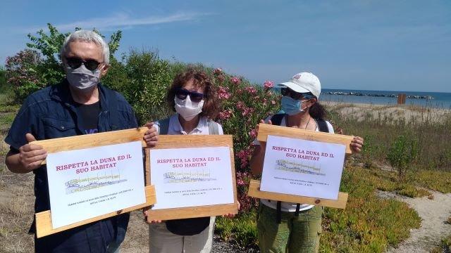 Dune di Ortona, SOA: 'Incredibile comportamento del Comune che ostacola i volontari che vogliono proteggere le dune' VIDEO