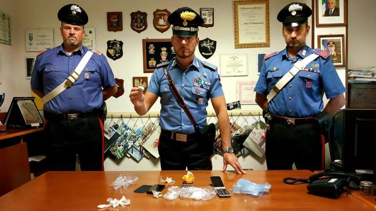 Notaresco, continua a spacciare dai domiciliari: nuovo blitz dei carabinieri
