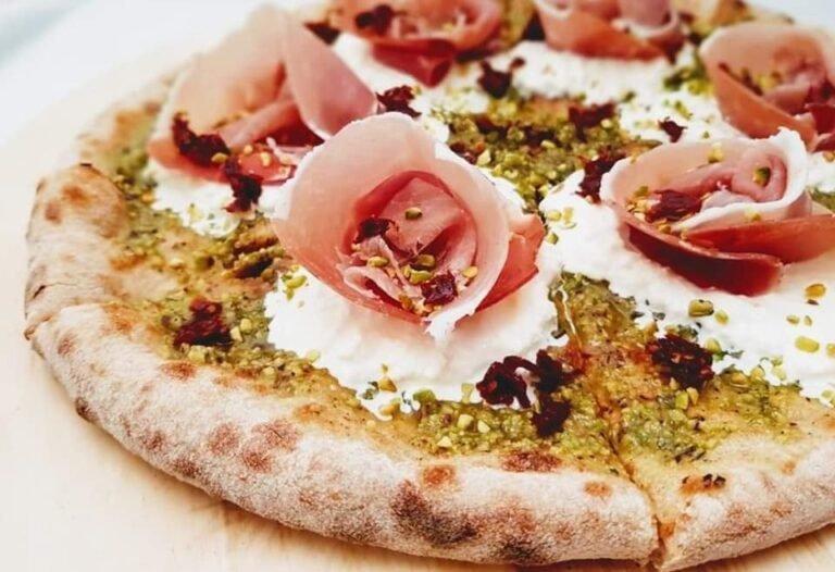 Novità, qualità e vista mozzafiato da Pizzeria Sessantanove.
