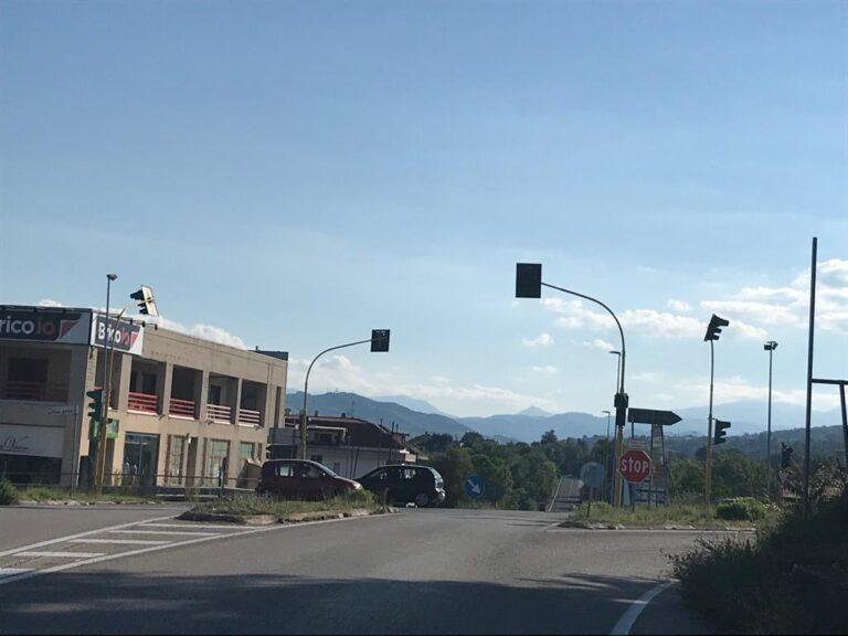 """Teramo, semafori spenti o malfunzionanti: """"serve una rotonda a San Nicolò"""""""