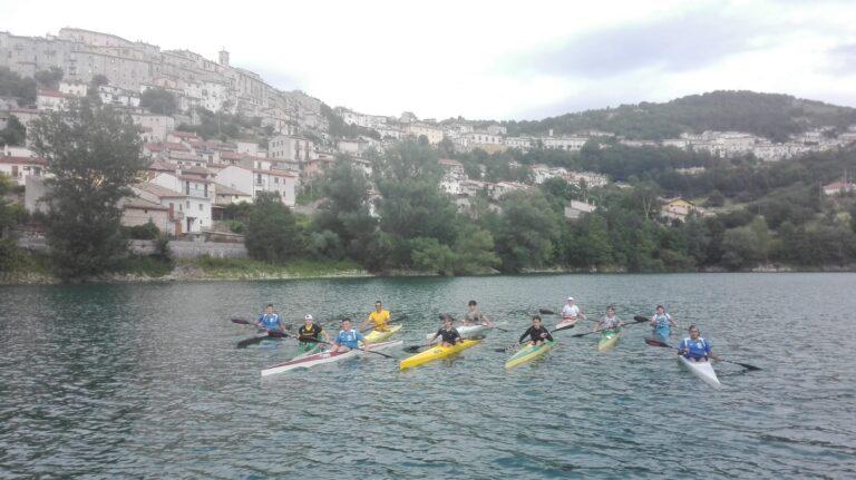 Barrea, le fiamme gialle tornano ad allenarsi sul lago