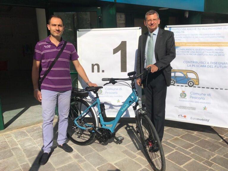Pescara, consegnate le prime bici del progetto Pesos