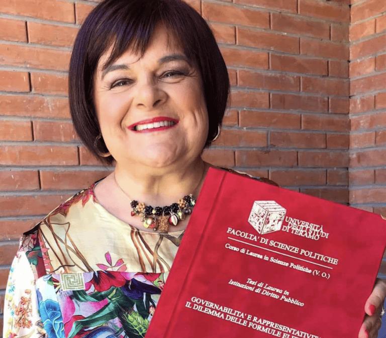 Teramo, Stefania Pezzopane si laurea con 110 e lode