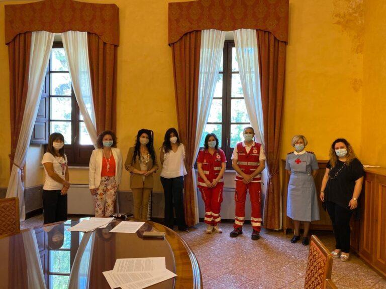 Isola del Gran Sasso: lo sportello antiviolenza La Fenice nella scuola 'Parrozzani' della Croce Rossa FOTO
