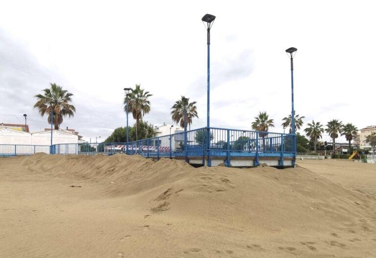 """Montesilvano: """"Fossi di scolo sulla spiaggia tappati dalla sabbia"""""""