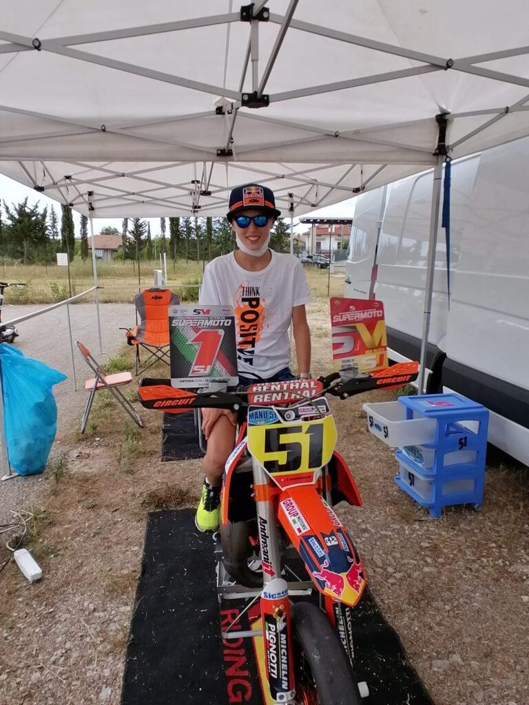 Giulianova, il 12enne Emanuele Andrenacci domina la prima gara del Campionato campionato motard junior