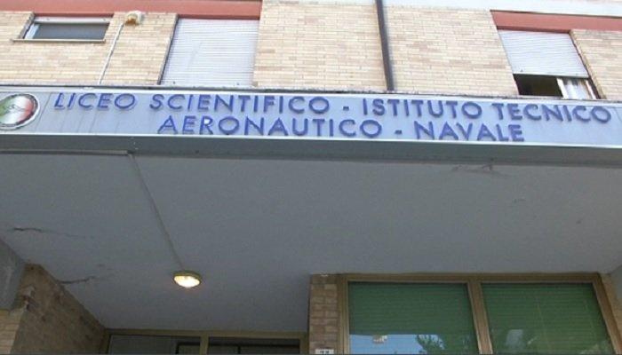 Solidarietà, l'Istituto Locatelli dona un elettrocardiografo digitale all'Avis comunale VIDEO