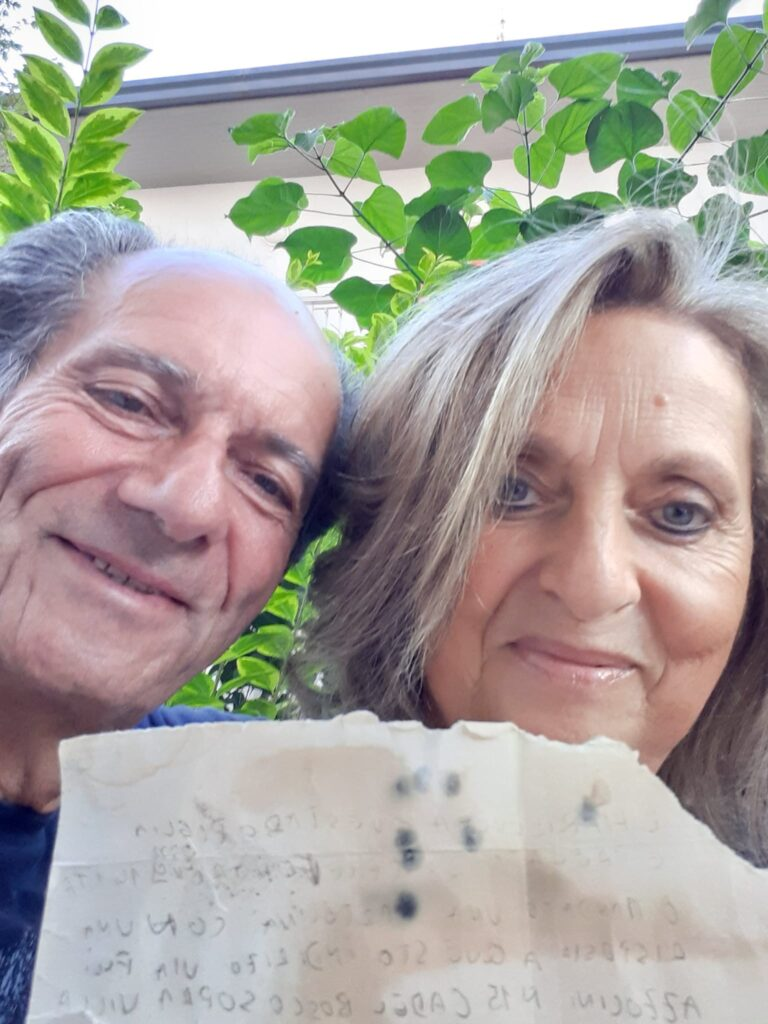 Martinsicuro, la lettera nella bottiglia trovata sulla spiaggia: la favola rivive dopo 26 anni