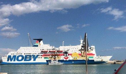 Lampedusa, 55 migranti nelle prossime ore saranno trasferiti in Abruzzo
