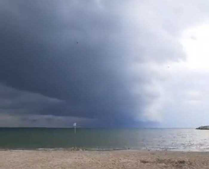 Shelf cloud, trombe d'aria e temporali in Abruzzo