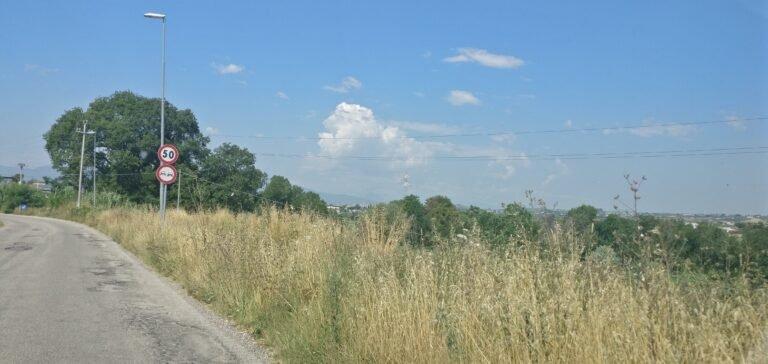 Alba Adriatica, via del Vecchio Forte: tra buche e nuova ciclabile ferma al palo FOTO