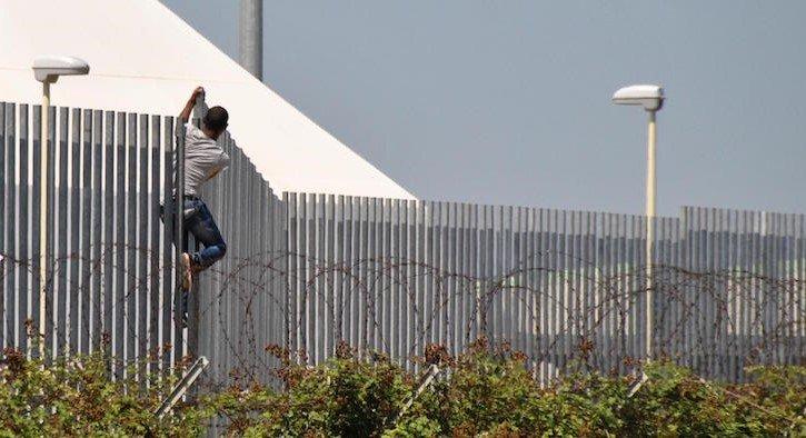 Migrante positivo al Covid 19 fugge dal Cas di Civitella del Tronto