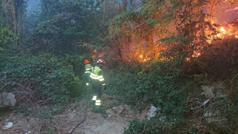 Pescara, incendio San Silvestro: sfollati e case danneggiate VIDEO-FOTO
