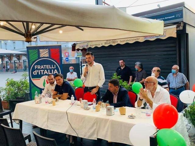 Oltre 100 persone per l'apertura della campagna elettorale di Miscia: 'L'energia degli under 30 per la Chieti che verrà'