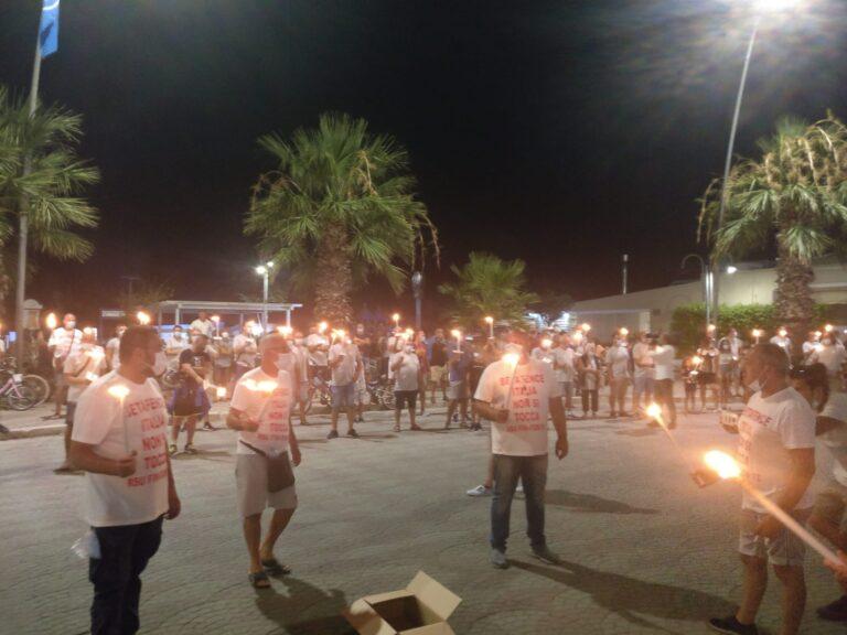 Vertenza Betafence: presidio a Teramo e fiaccolata a Giulianova