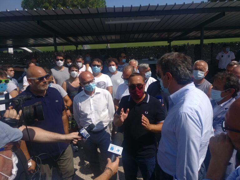 Tortoreto, Marsilio agli operai della Betafence: entro agosto tavolo al Ministero FOTO VIDEO