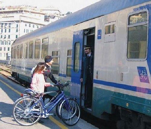 Abruzzo, boom turisti in bicicletta ma problemi per il trasporto sui treni TUA