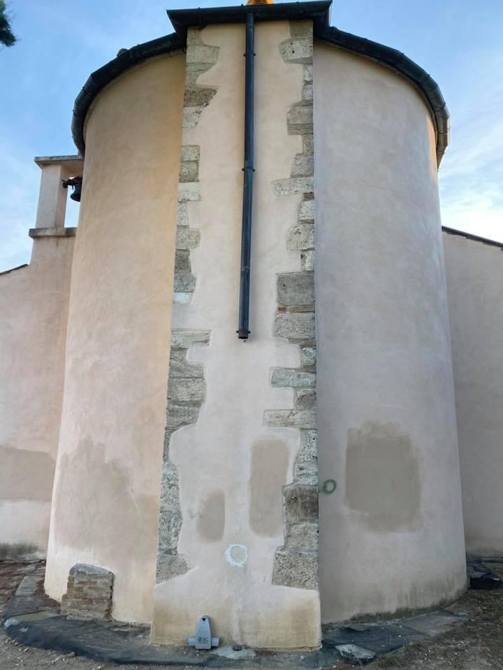 Nereto, rubati in pieno giorni i pluviali della chiesa di San Martino