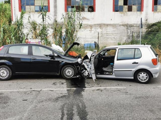 Fossacesia Marina, frontale tra auto: un morto sulla SS 16