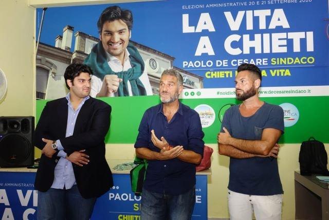 La bandiera della Calcio Chieti Alessandro Battisti sostiene Paolo De Cesare: 'Vai avanti e combatti!'