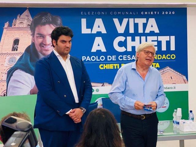 Vittorio Sgarbi a sostegno di De Cesare: 'Persona matura anche se giovane, un sindaco vero ed autonomo per Chieti'